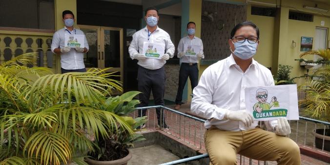 Doni Riba and his Dukandada team Pic sent by Doni
